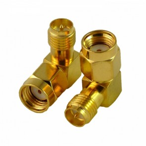 Adaptateur RP-SMA Male vers RP-SMA Femelle 90°